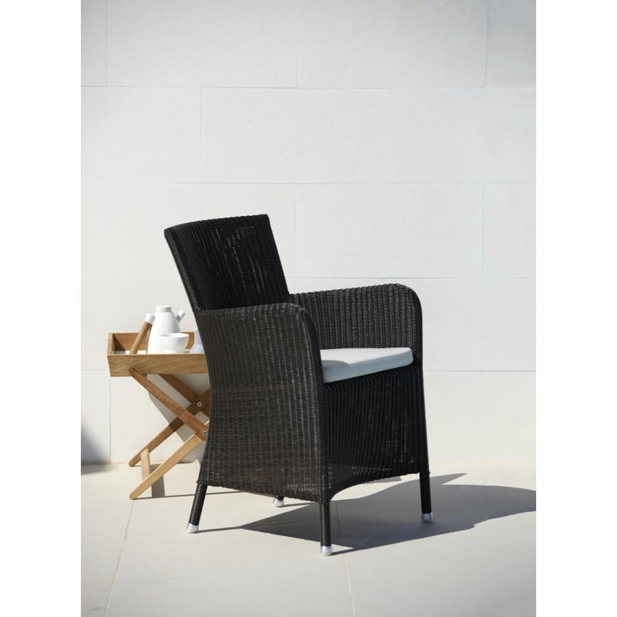 cane line gartenm bel set mit sessel hampsted und tisch area. Black Bedroom Furniture Sets. Home Design Ideas