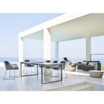 """Gartenstuhl """"Breeze"""", weiß-grau, und Ausziehtisch """"Edge"""", Tischplatte Keramik basalt grau, von Cane-line"""