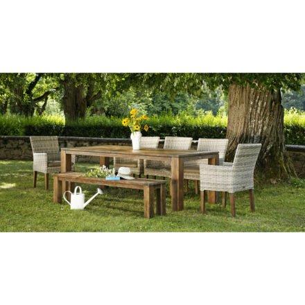 Gartentisch Chateau, Bank Belmont gealtert und Stuhl Riviera white coral, von Diamond Garden