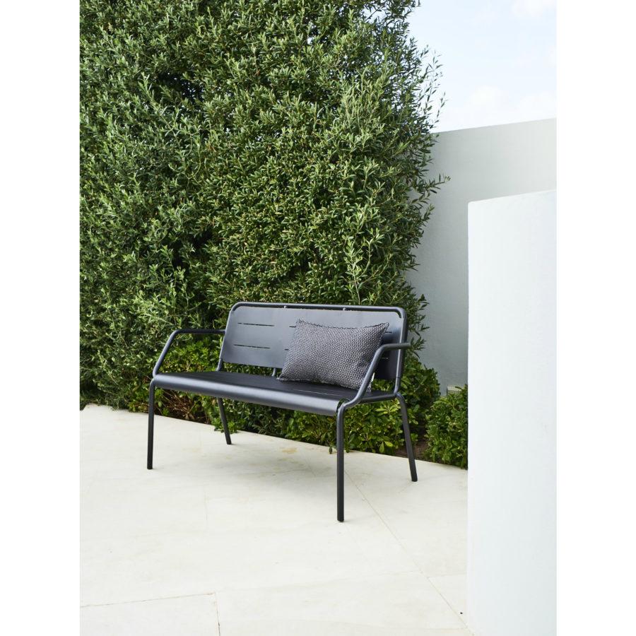 cane line copenhagen gartenbank mit r ckenlehne. Black Bedroom Furniture Sets. Home Design Ideas