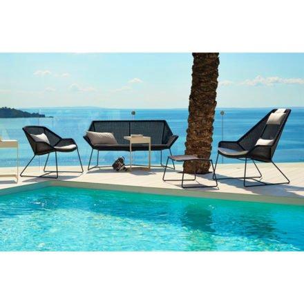 """Loungesofa und Loungesessel """"Breeze"""" von Cane-line, Gestell Stahl schwarz, Sitzfläche Polyrattan schwarz"""