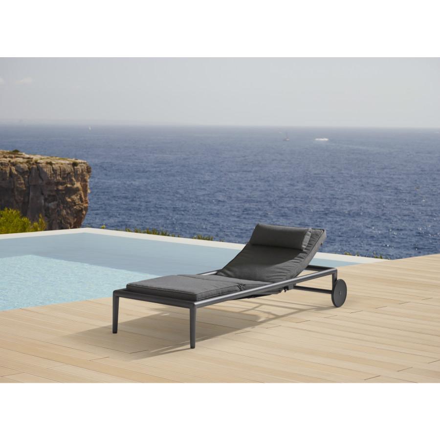 cane line conic sonnenliege. Black Bedroom Furniture Sets. Home Design Ideas