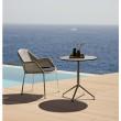 """Gartenstuhl """"Breeze"""" von Cane-line, Gestell Stahl weiß, Sitzfläche Polyrattan weiß-grau mit Bistrotisch """"Avenue"""""""