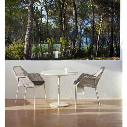 """Gartenstuhl """"Breeze"""" von Cane-line, Gestell Stahl weiß, Sitzfläche Polyrattan weiß-grau"""
