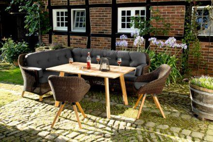 """Niehoff """"Nizza"""" Gartenstuhl, Teakholz Gestell, Sitzschale Polyrattan Red Pine, """"Nizza"""" Gartentisch Teakholz und """"Nizza"""" Dining Lounge, Teakholz und Polyrattan Red Pine"""