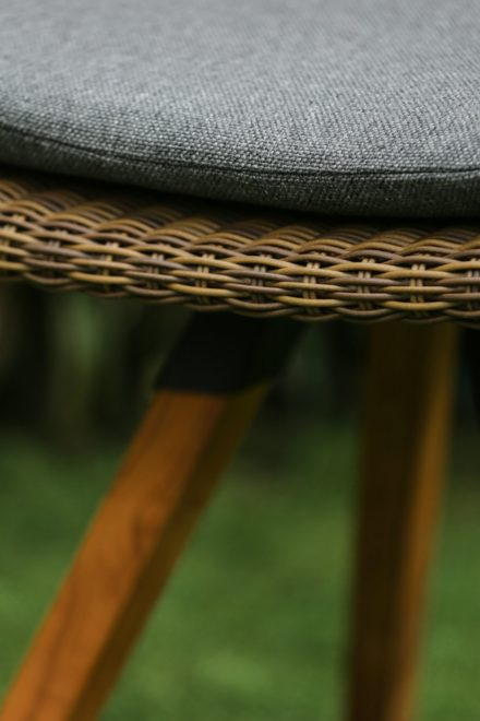 "Niehoff ""Nizza"" Gartenstuhl, Teakholz Gestell, Sitzschale Polyrattan Red Pine"
