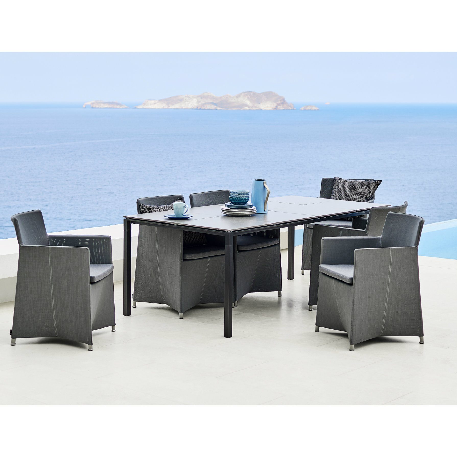 cane line gartentisch pure aluminium. Black Bedroom Furniture Sets. Home Design Ideas