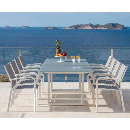 """Jati&Kebon """"Ely"""" Gartentisch mit """"Malaga"""" Stapelsessel, Gestell Aluminium weiss, Tischplatte Glas, Textilbespannung hellgrau"""