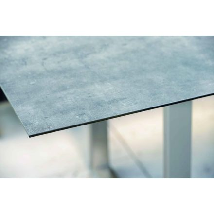 Stern Kufentisch, Gestell Edelstahl, Tischplatte HPL Zement