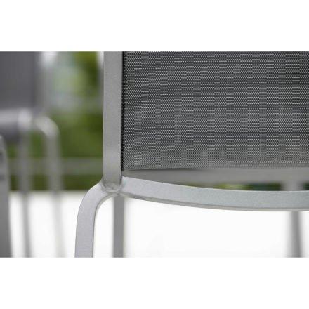 "Stern ""Oskar"" Stapelstuhl, Gestell Aluminium graphit, Textilgewebe silbergrau"