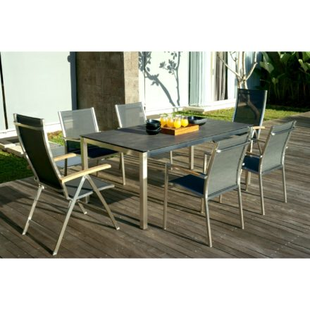 """Zebra Klapp- und Stapelsessel """"One"""", Gestell Edelstahl, Teakarmlehnen, Sitzfläche Textilgewebe carbon grey und Tisch Opus 180x100 mit Tischplatte Sela Beton"""