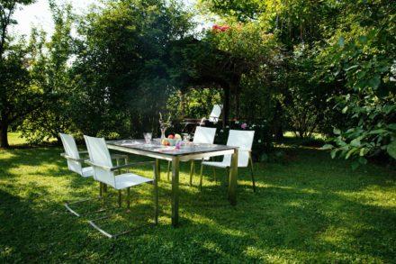 """Diamond Garden """"Ancona"""" Stapelstuhl und Swingstuhl in hellgrau mit Tisch """"Palermo"""", Tischplatte schiefer"""