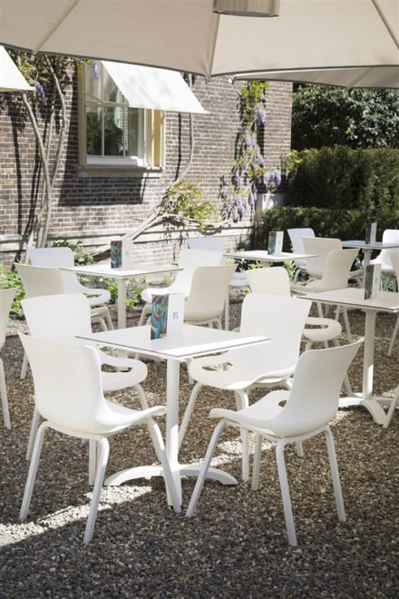 "Hartman ""Sophie Pro"" Dining Chair, Gestell Aluminium royal white, Sitzschale royal white mit ""Sophie"" Bistrotisch, royal white"