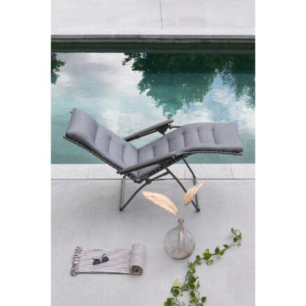 "Lafuma Relaxliege ""Evolution BeComfort"", Stahl titane, Textilene silver © LAFUMA MOBILIER - Pierrick Verny"