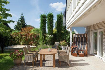 """SonnenPartner Gartenstuhl """"Queenstown"""" und Tisch """"Classico"""""""