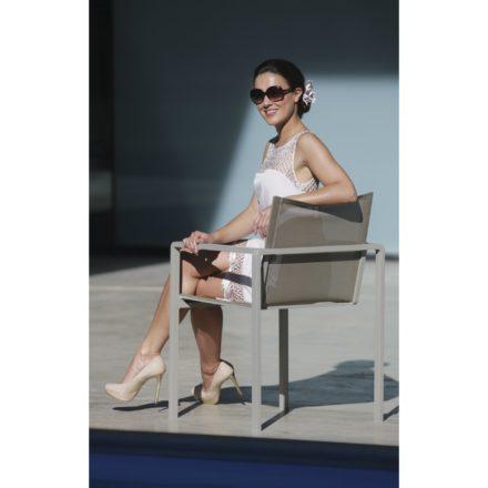 "Royal Botania Stapelsessel ""Alura"", Gestell Aluminium sand, Sitzflächen-Bespannung Textilgewebe pearl grey"