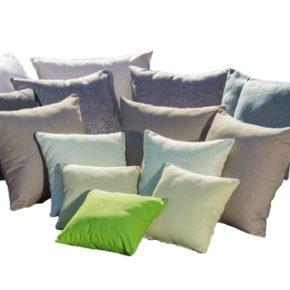 Fischer Möbel, Partykissen, erhältlich in verschiedenen Materialien und Dessins