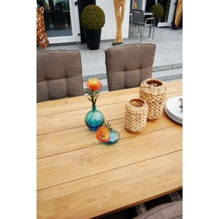 "Ploß Rustikal-Dining-Tisch ""Laredo"", Old-Teak gebürstet, mit Diningsessel ""Rabida"", Geflecht champagner meliert, Polster savanna"