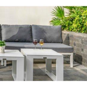 Home Islands 2-Sitzer Sofa Akina, Gestell Aluminium weiß, Polster grau