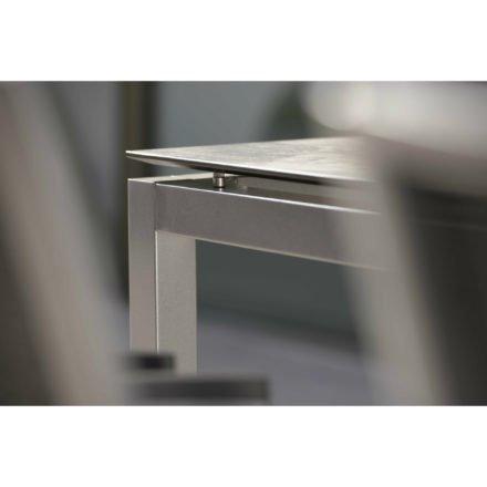 Stern Tischsystem, Gestell Aluminium graphit, Platte HPL (Silverstar), Detail