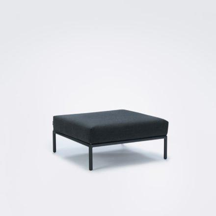 "Loungehocker ""Level"" von Houe, Gestell Aluminium, Textilgewebe Sunbrella Sooty grey"