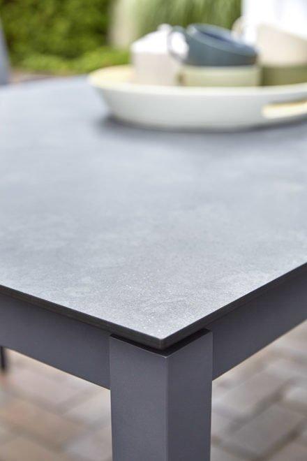 """Diamond Garden Gartentisch """"San Marino"""", Edelstahl dunkelgrau, Tischplatte DiGa Compact HPL, Detail"""