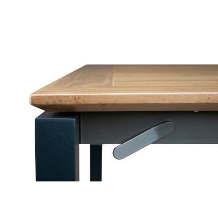 "SIT Mobilia ""Etna"" Ausziehtisch, Gestell Aluminium eisengrau, Tischplatte Teakholz, Detail"