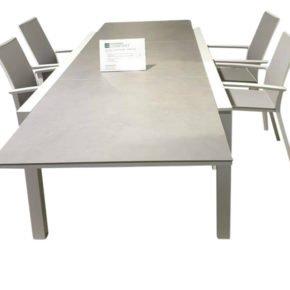 """Jati & Kebon Ausziehtisch """"Livorno"""", Alu weiß, Tischplatte HPL grigio granit mit Stühlen """"Sevilla"""""""