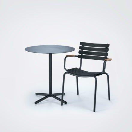 """Houe """"ReClips"""" Gartenstuhl mit Bambus-Armlehnen, Gestell Aluminium schwarz, Lamellen aus recyceltem Kunststoff, schwarz"""