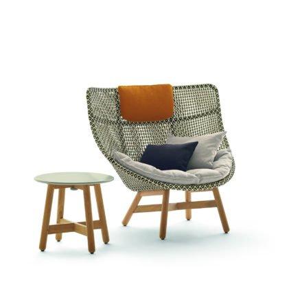 """DEDON Sessel """"MBRACE"""" mit Sitzauflage, Dekokissen und Nackenkissen sowie Beistelltisch"""