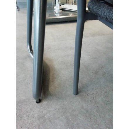 """Set """"Jura-Delemont/London"""", links Kufengestell SIT Mobilia Tisch """"Jura"""" Stahl eisengrau, rechts Musterring Sessel """"London"""" Aluminium anthrazit"""