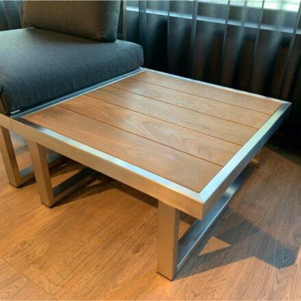 """Jati&Kebon """"Rao"""" Beistelltisch, Gestell Edelstahl, Tischplatte Teak, Größe 70x70 cm"""