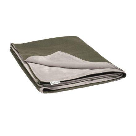 Stern Kuscheldecke 158x200 cm, Vorderseite dunkelgrün 100% Polyacryl, Rückseite hellgrau 100% Polyester