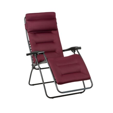 "Lafuma Relaxsessel ""RSX Clip"", Stahlrohr schwarz, Textilgewebe AIR COMFORT® bordeaux © LAFUMA MOBILIER - Pierrick Verny"