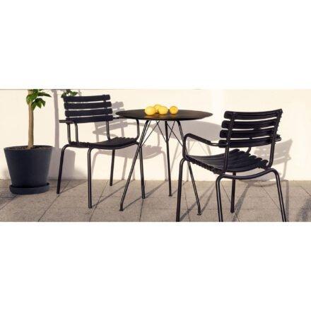 """Houe """"Circum"""" Gartentisch, Gestell Stahl schwarz, Tischplatte Alu schwarz und """"ReClips"""" Gartenstuhl, Gestell Aluminium schwarz, Lamellen aus recyceltem Kunststoff, schwarz"""