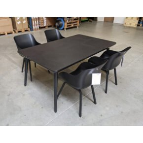 "Hartman ""Sophie"" Gartenmöbel-Set, Gestelle Aluminium carbon black, Sitzschale Kunststoff carbon black, Tischplatte HPL carbon black, Ausstellung Karlsruhe"
