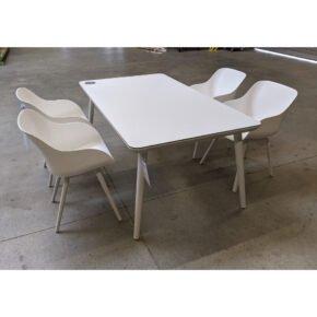 """Hartman """"Sophie"""" Gartenmöbel-Set, Gestelle Aluminium royal white, Sitzschale Kunststoff royal white, Tischplatte HPL white, Ausstellung Karlsruhe"""