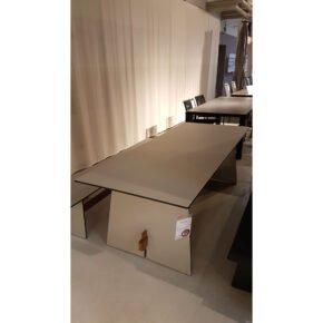 "Conmoto ""Tension"" Tisch, HPL soft grey & Teakholz, 220x90 cm, Ausstellung Lauchringen"
