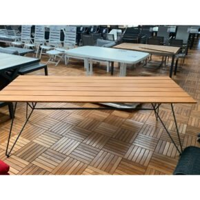 "Houe ""Sketch"" Gartentisch, Gestell Stahl grau, Tischplatte Bambus, Retoure Ausstellung Stockach"