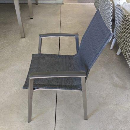 "Stern ""New Top"" Stapelstuhl, Gestell Edelstahl, Sitzfläche Textilgewebe karbon, Armlehnen Aluminium anthrazit, Ausstellung Karlsruhe"