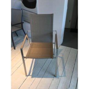 """SIT Mobilia """"Leon"""" Stapelstuhl, Gestell Edelstahl, Sitzfläche Leisuretex taupe, Ausstellung Lauchringen"""