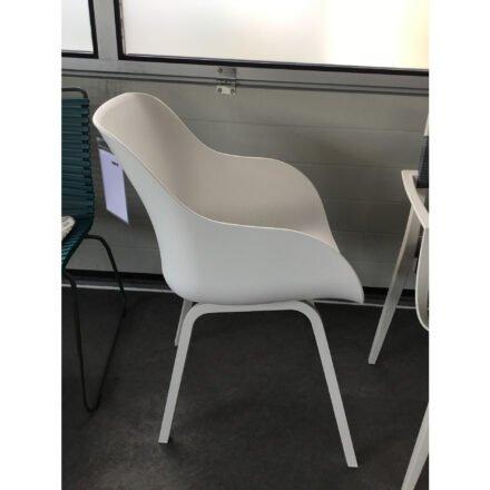 "Hartman ""Sophie Element"" Organic Chair, Gestell Aluminium weiß, Sitzschale Kunststoff weiß, Ausstellung Stockach"