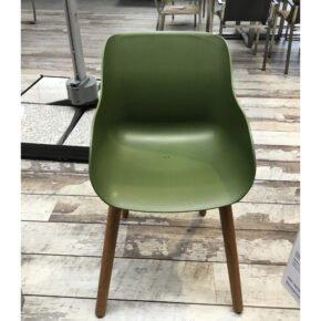 """Hartman """"Sophie Teak"""" Organic Chair, Gestell Teakholz, Sitzschale Kunststoff moss green, Ausstellung Stockach"""