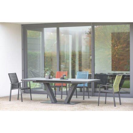 """Niehoff """"Cervo"""" Gartenstuhl, Gestell Aluminium anthrazit, Sitzfläche Textilen gepolstert schwarz, Rückenlehne Rope mit Ausziehtisch """"Plank"""""""